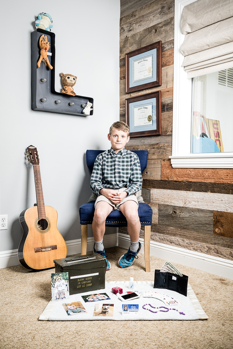 PATRICK STRATTNER PHOTOGRAPHY | Luke and his keepsake box / Die Zeit